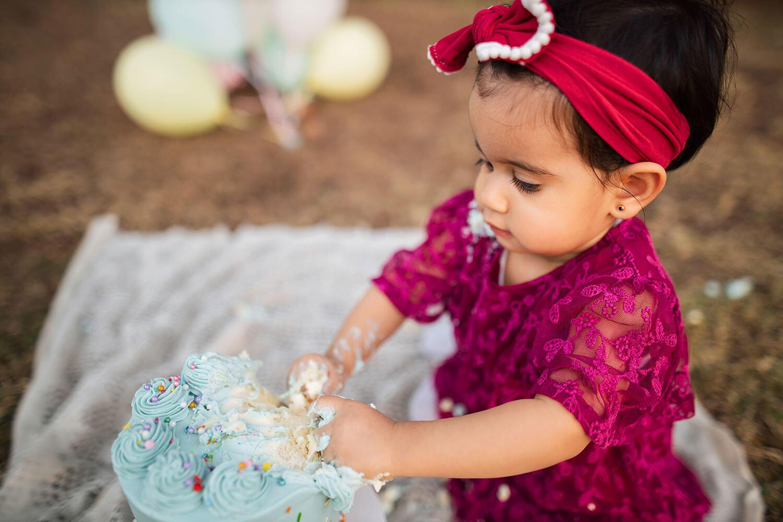 Cake smash photoshoot in Gardens, Dubai