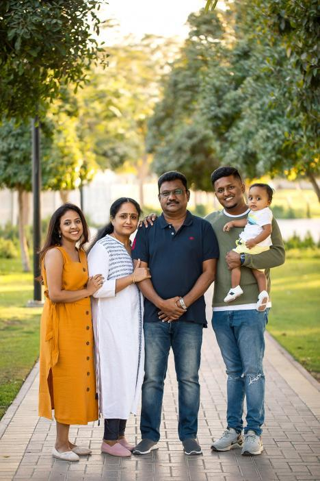 Family photoshoot in Al Quoz pond park, Dubai