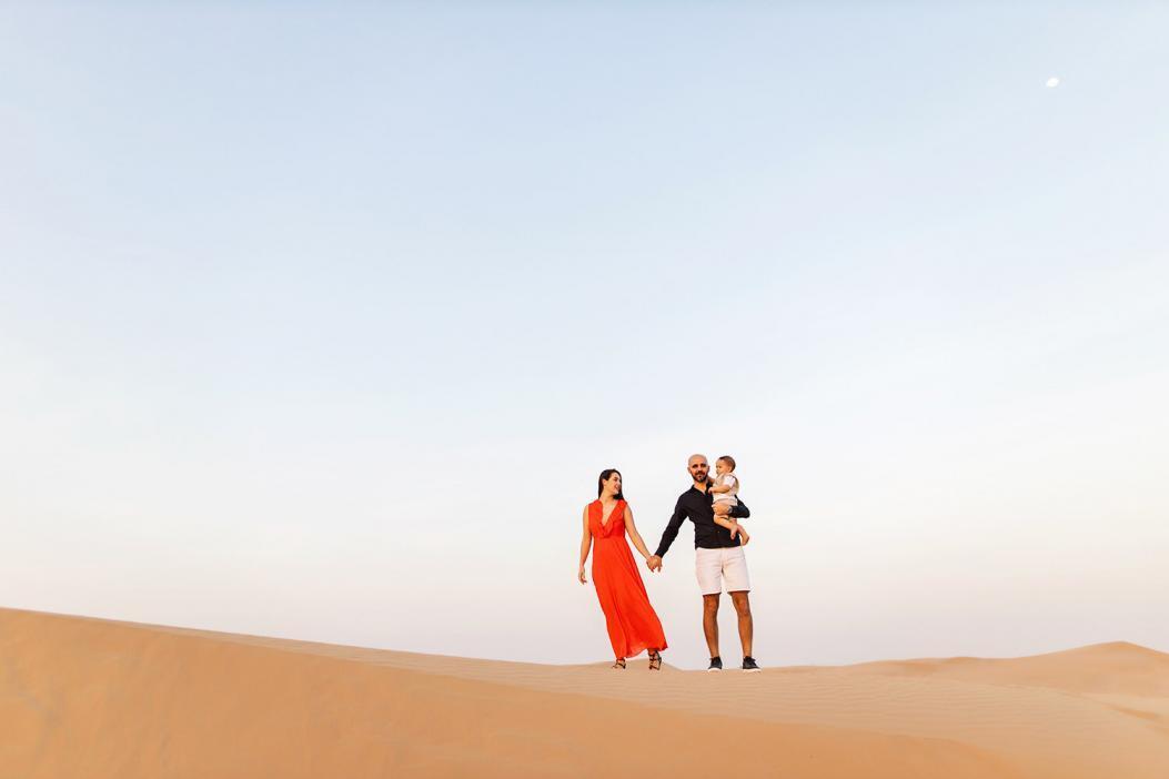 Desert family photoshoot in Dubai