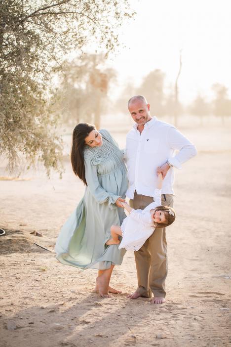 Family photoshoot in Dubai desert