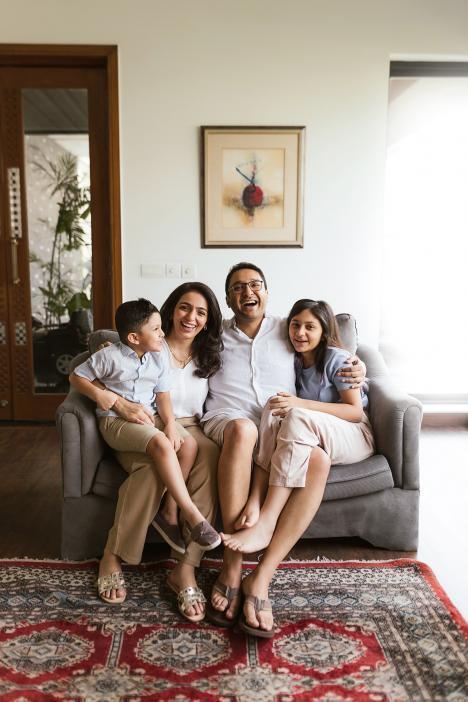 Family photographer in Dubai
