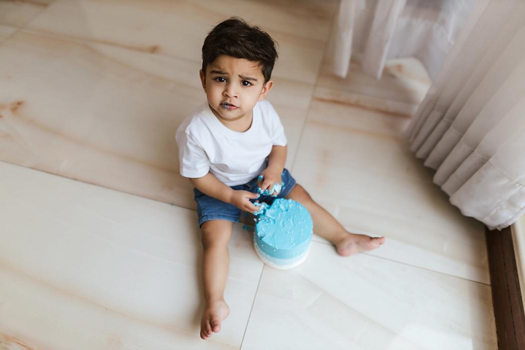 Cake smash photoshoot in Dubai